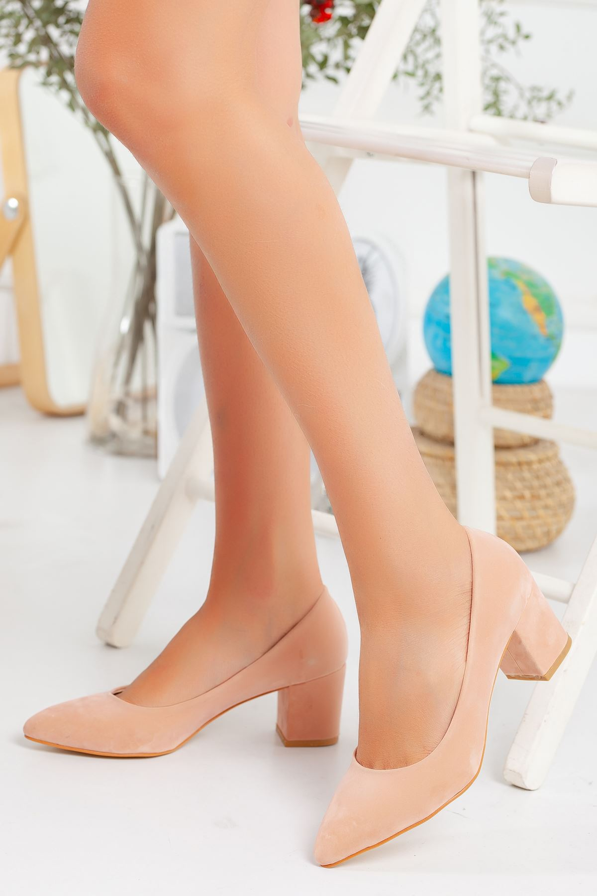 Pudra Süet Klasik Topuklu Ayakkabı