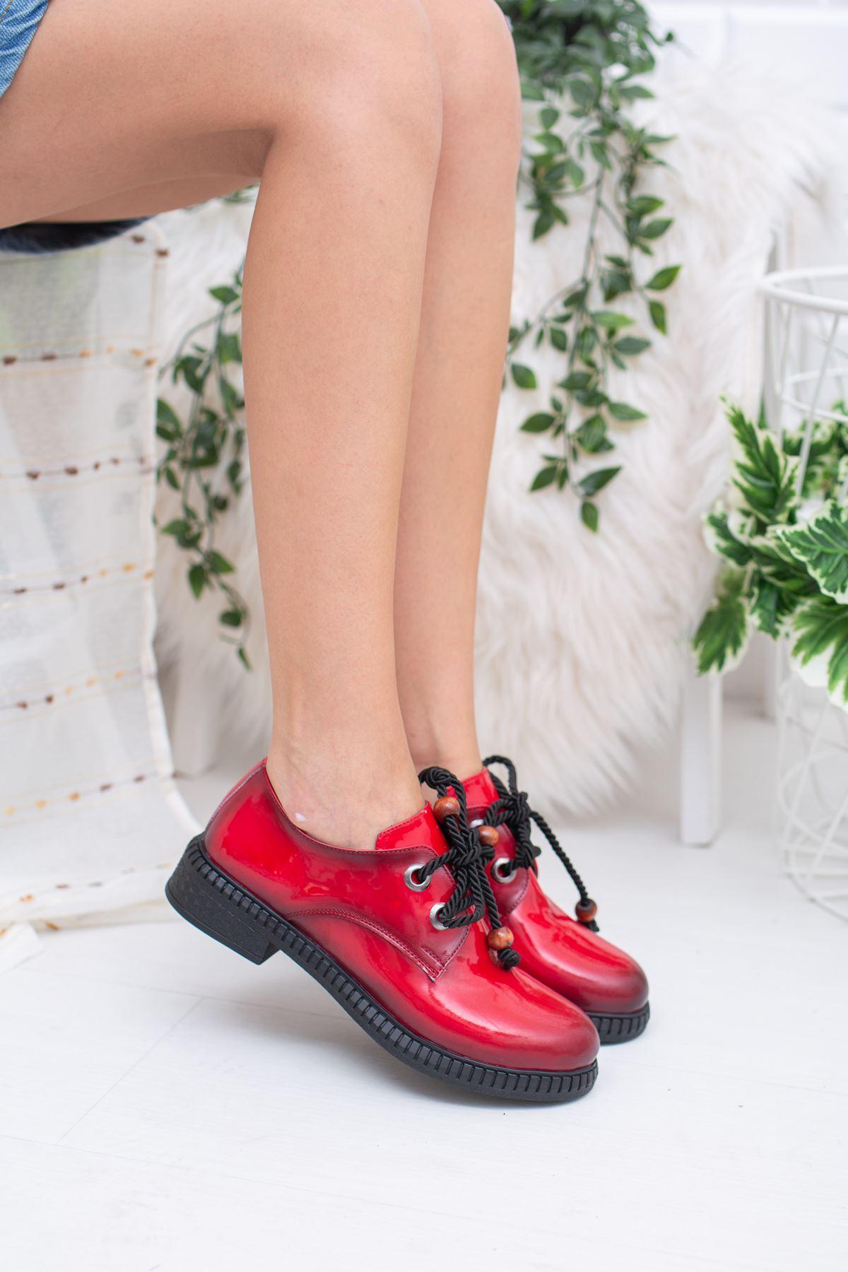 Kırmızı Rugan Ayakkabı
