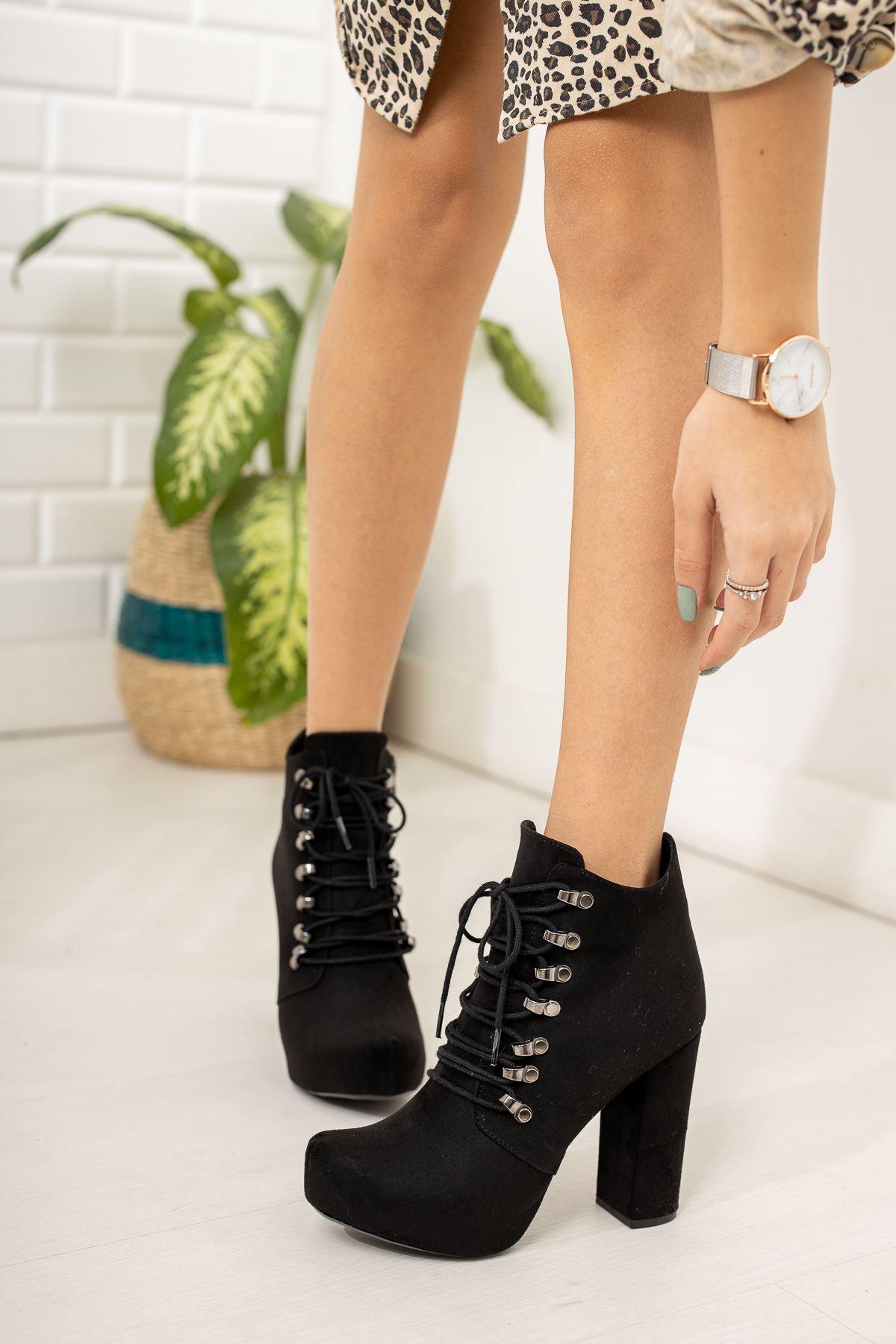 Siyah Süet Kancalı Platform Topuklu Ayakkabı
