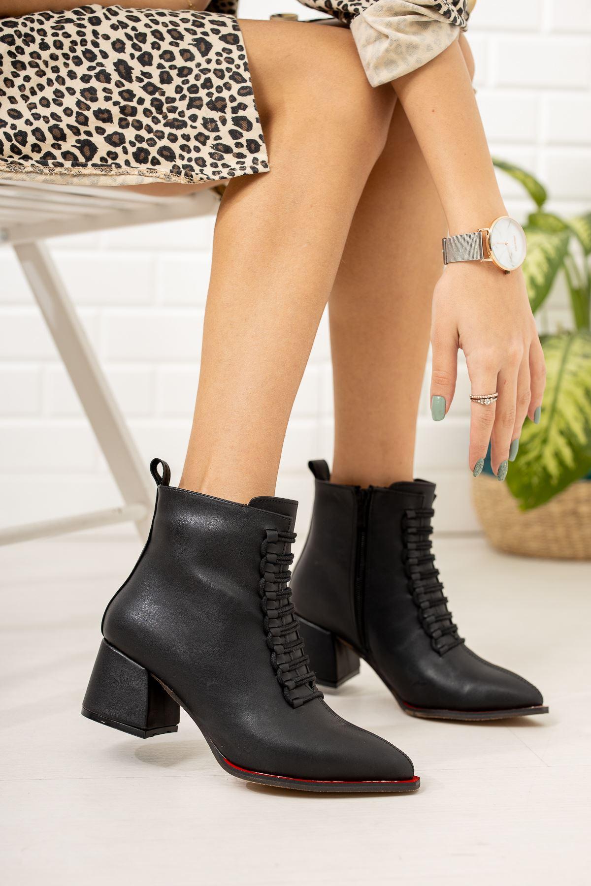 Siyah Cilt Topuklu Bot