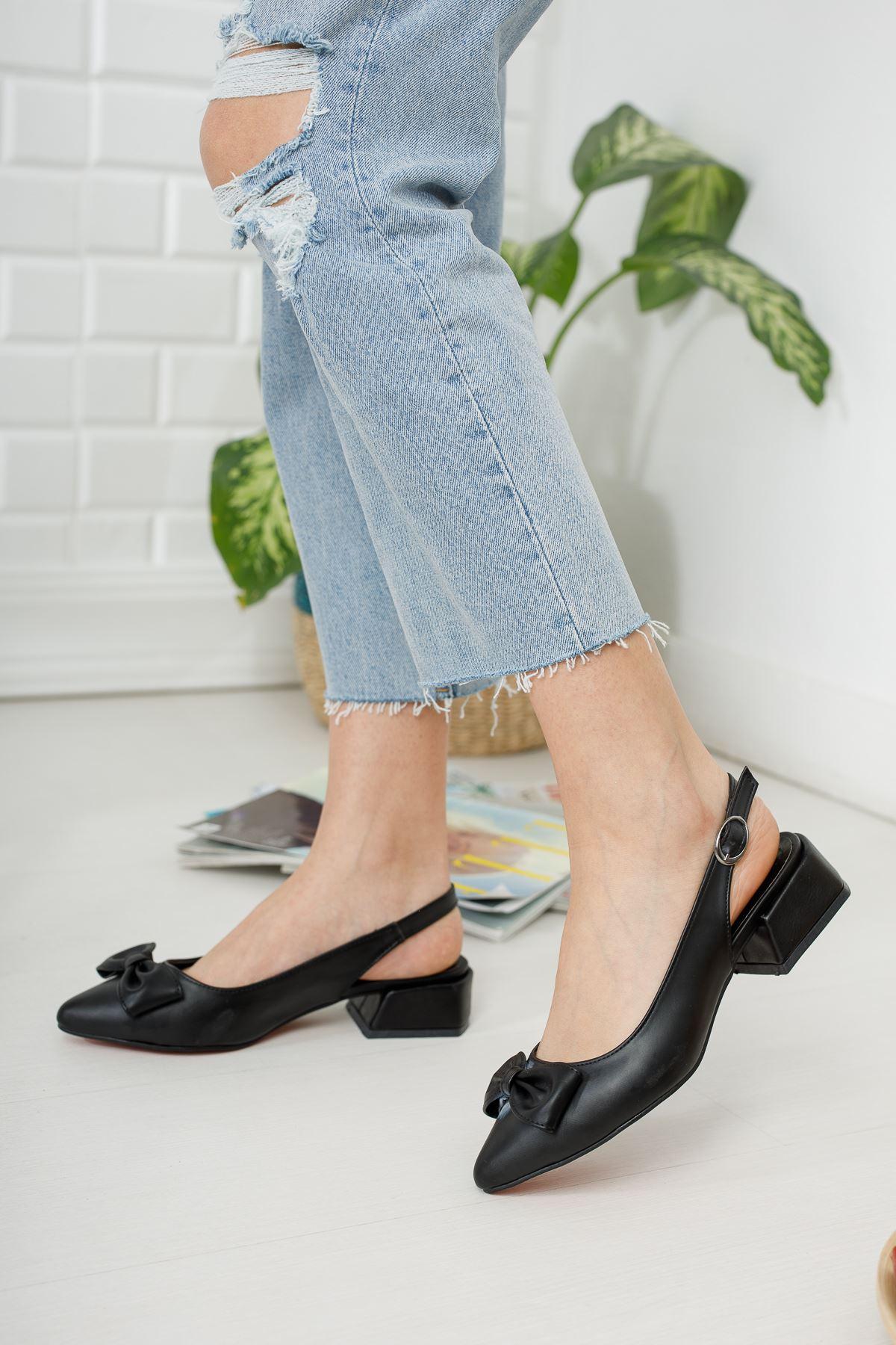 Siyah Fiyonk Detaylı Topuklu Ayakkabı