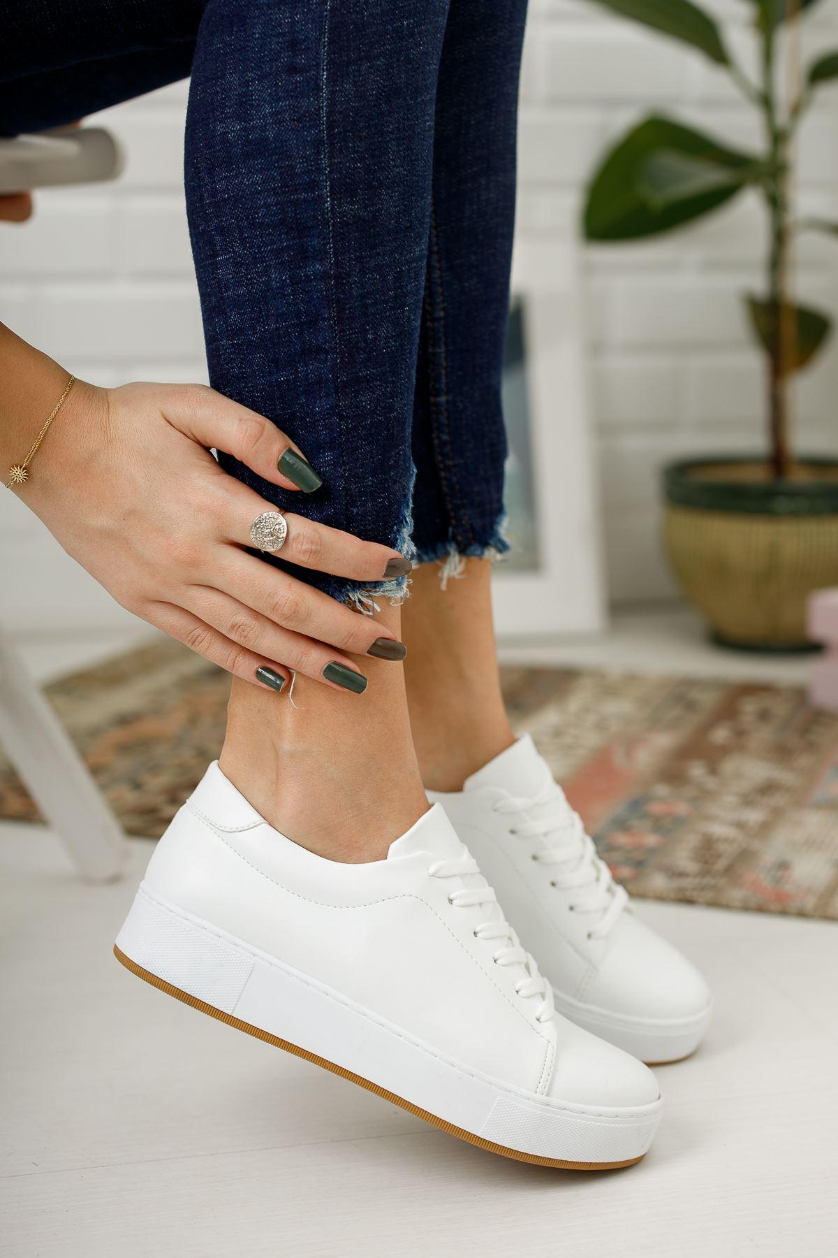 Düz Beyaz Günlük Spor Ayakkabı