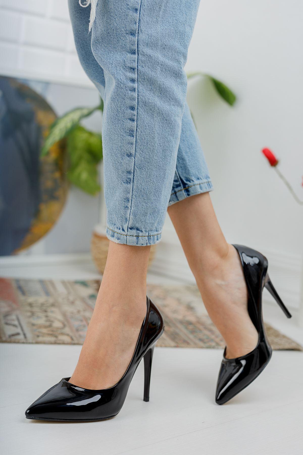 Siyah Rugan Yüksek İnce Topuklu Stiletto