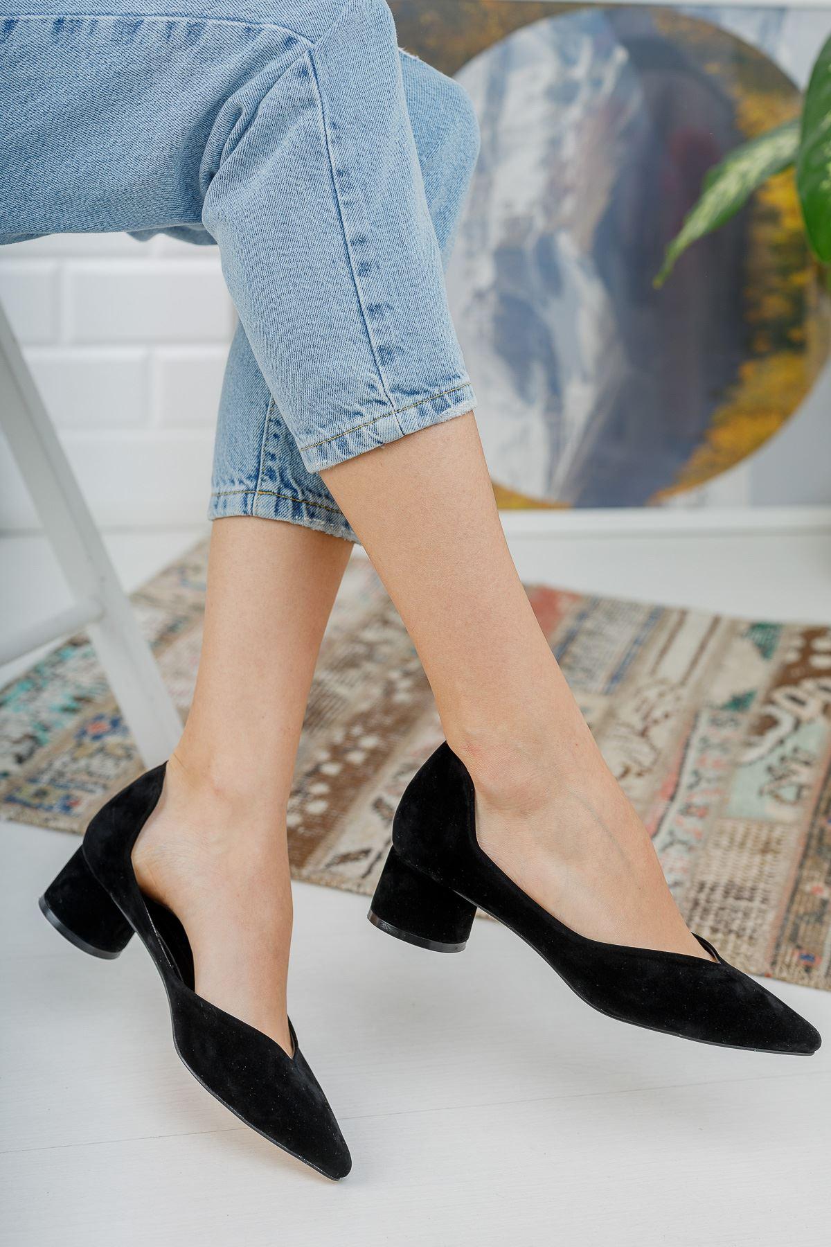 Düz Siyah Süet Köşe Kalıp Klasik Kalın Topuklu Ayakkabı