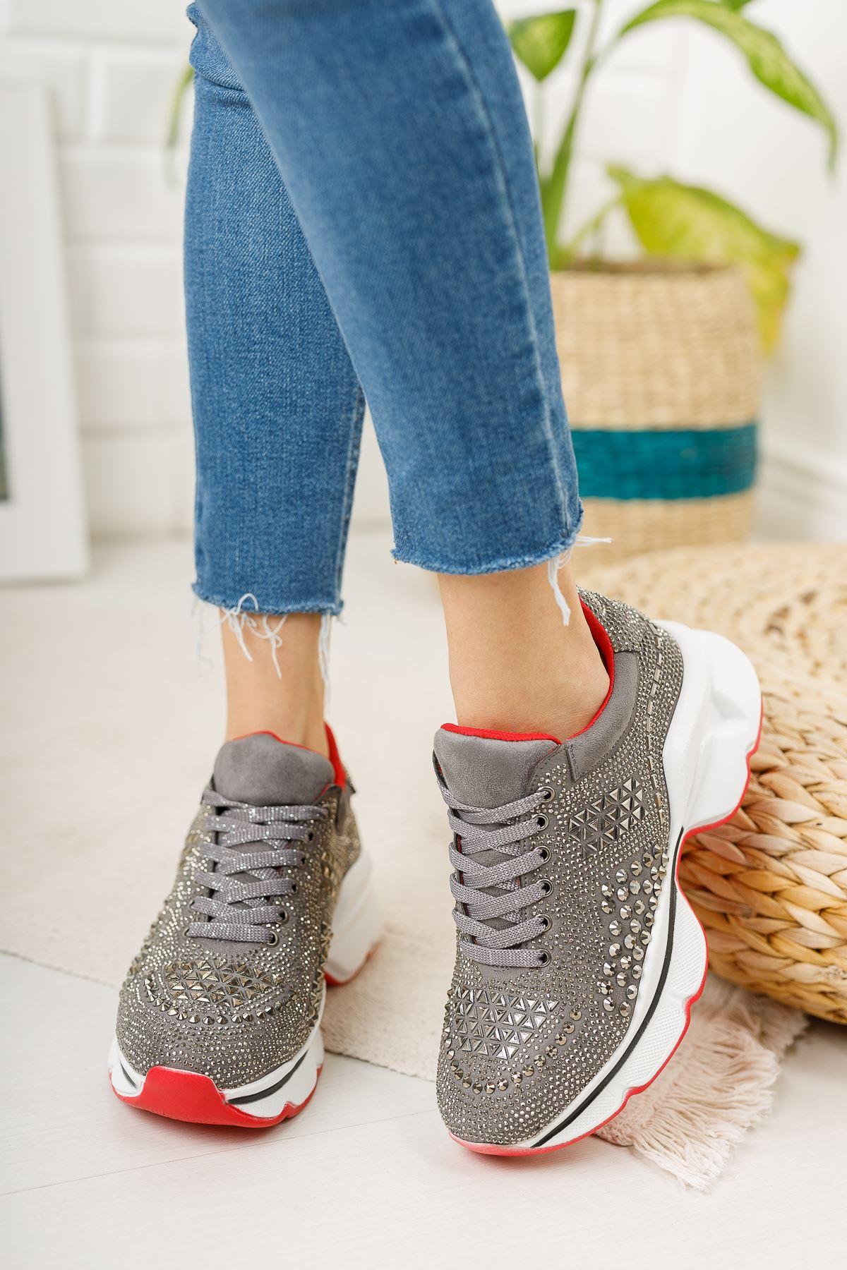 Taşlı Platin Sneaker