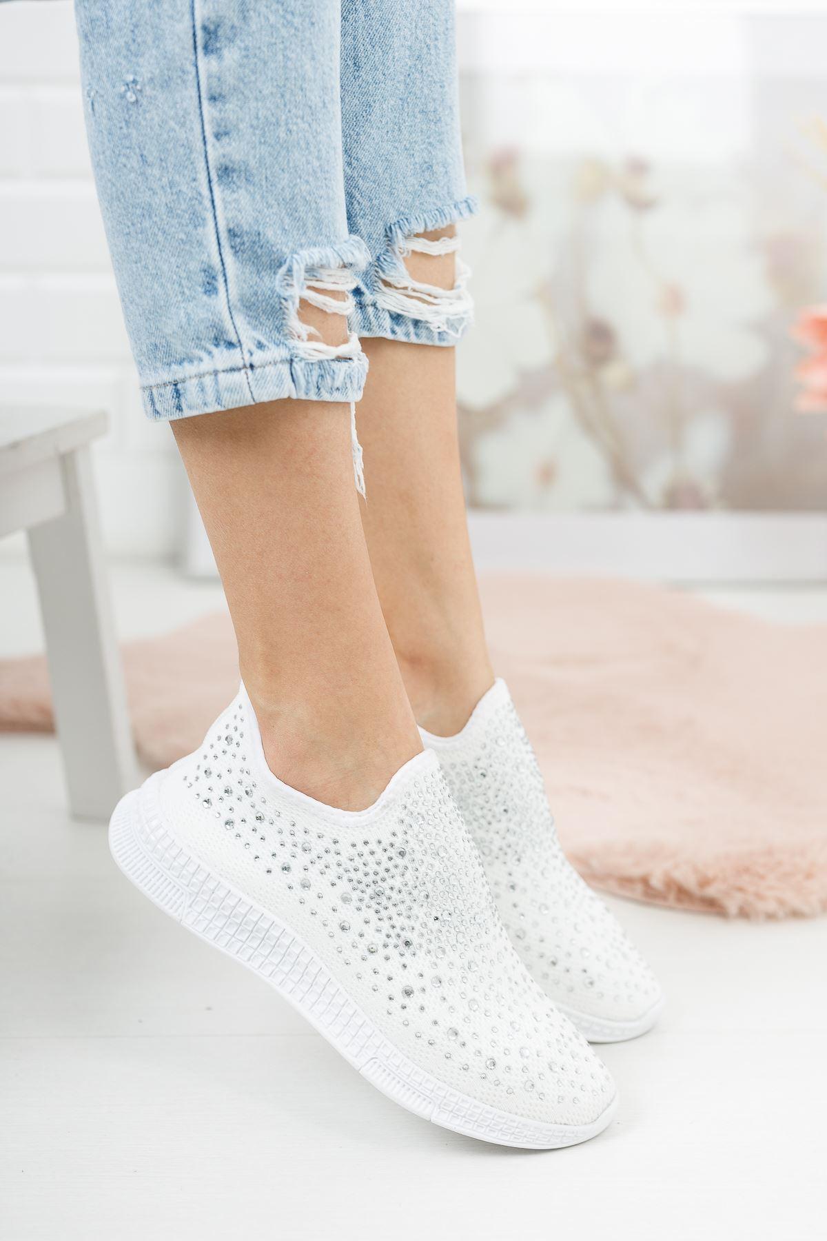 Beyaz Üstü Taşlı Bağcıksız Spor Ayakkabı