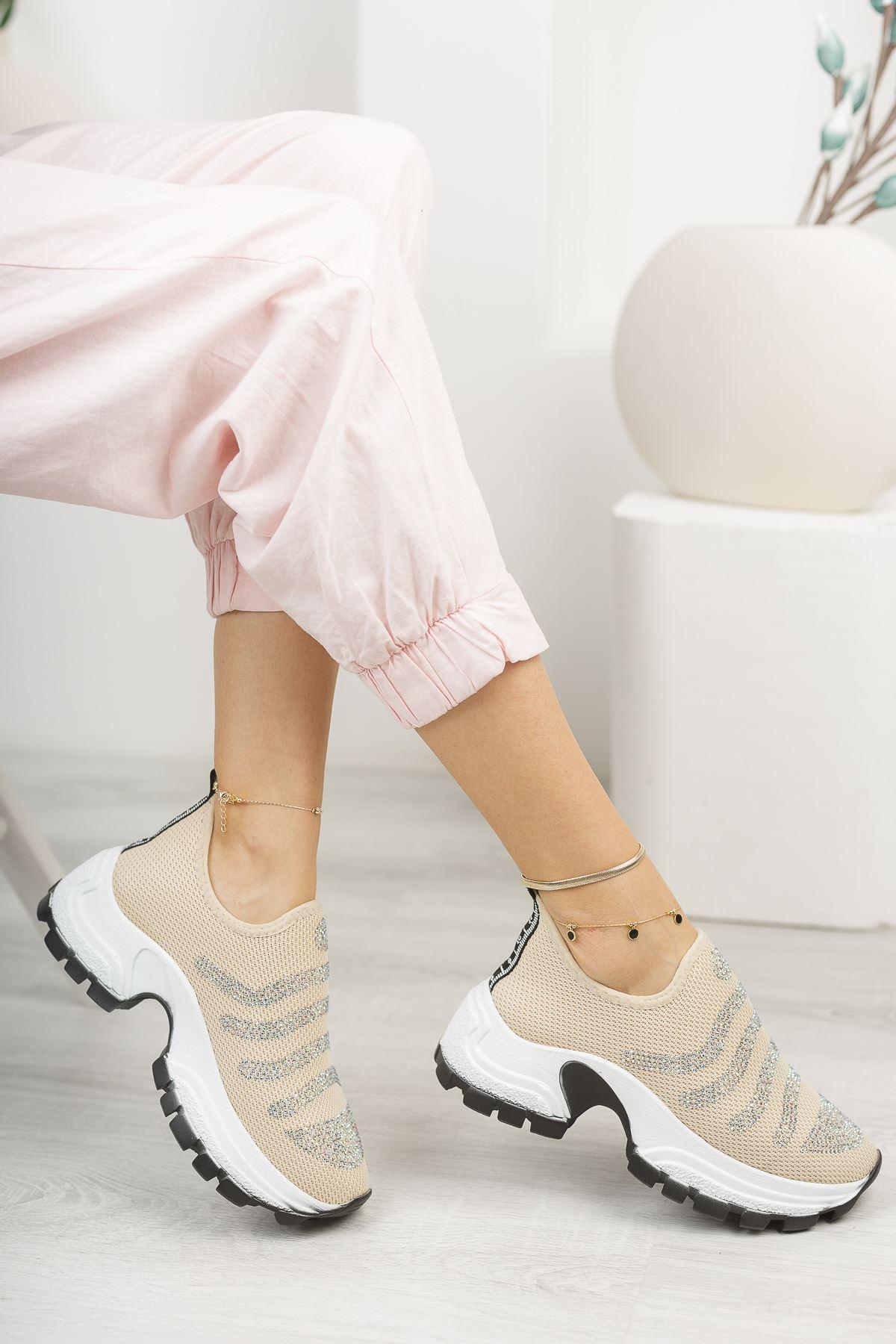 Bej Taşlı Bağcıksız Kalın Taban Spor Ayakkabı
