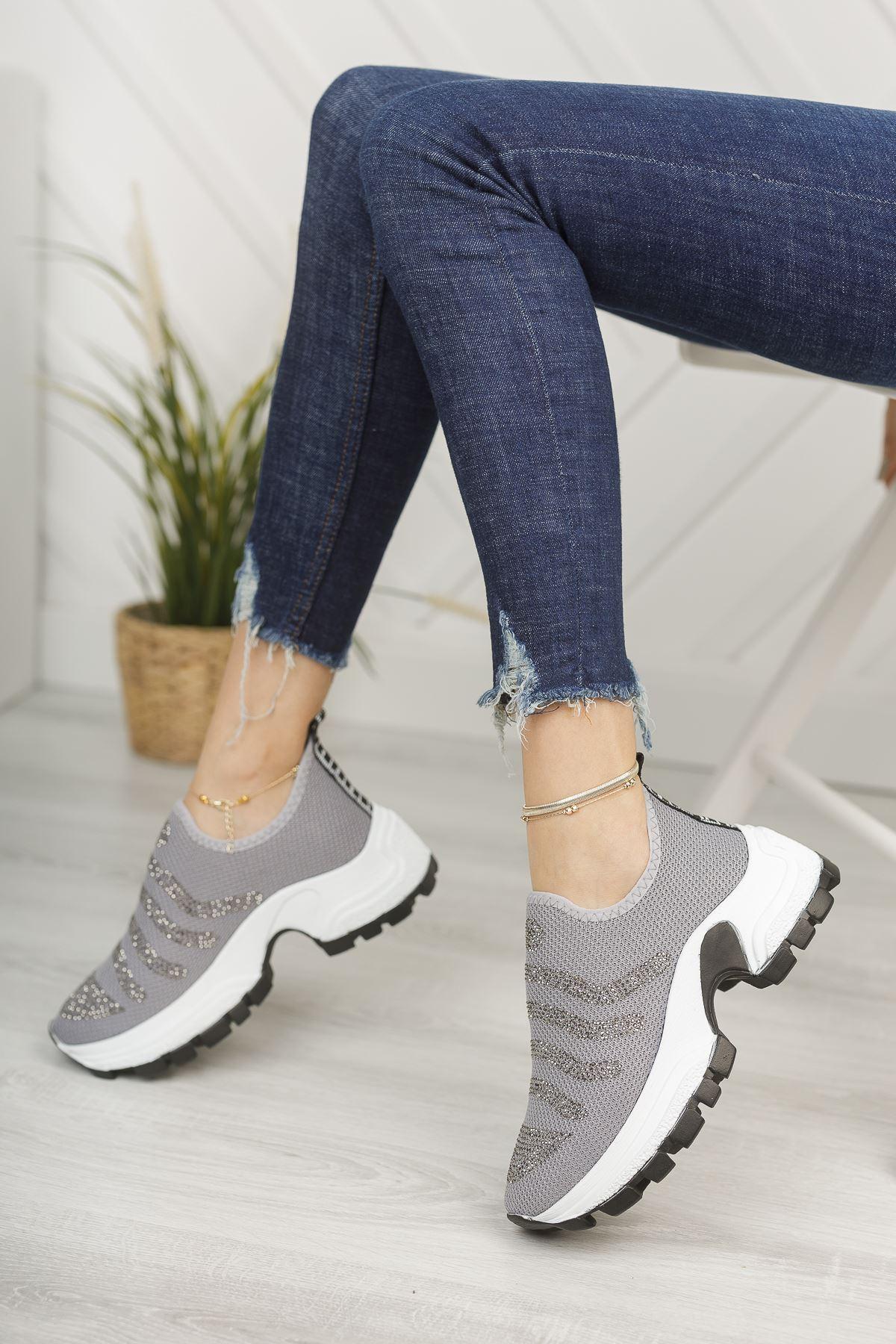Gri Taşlı Bağcıksız Kalın Taban Spor Ayakkabı