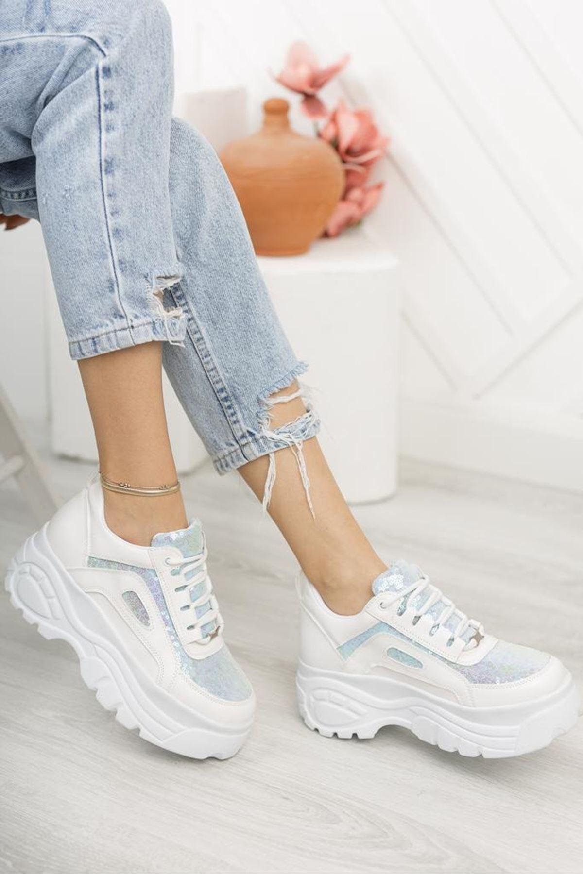 Pullu Beyaz Sneaker
