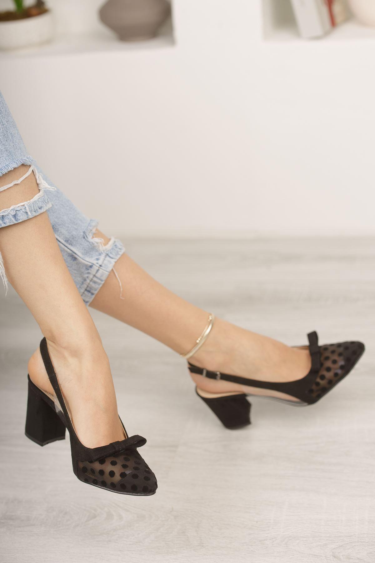 Siyah Süet Puantiyeli Kalın Topuklu Ayakkabı