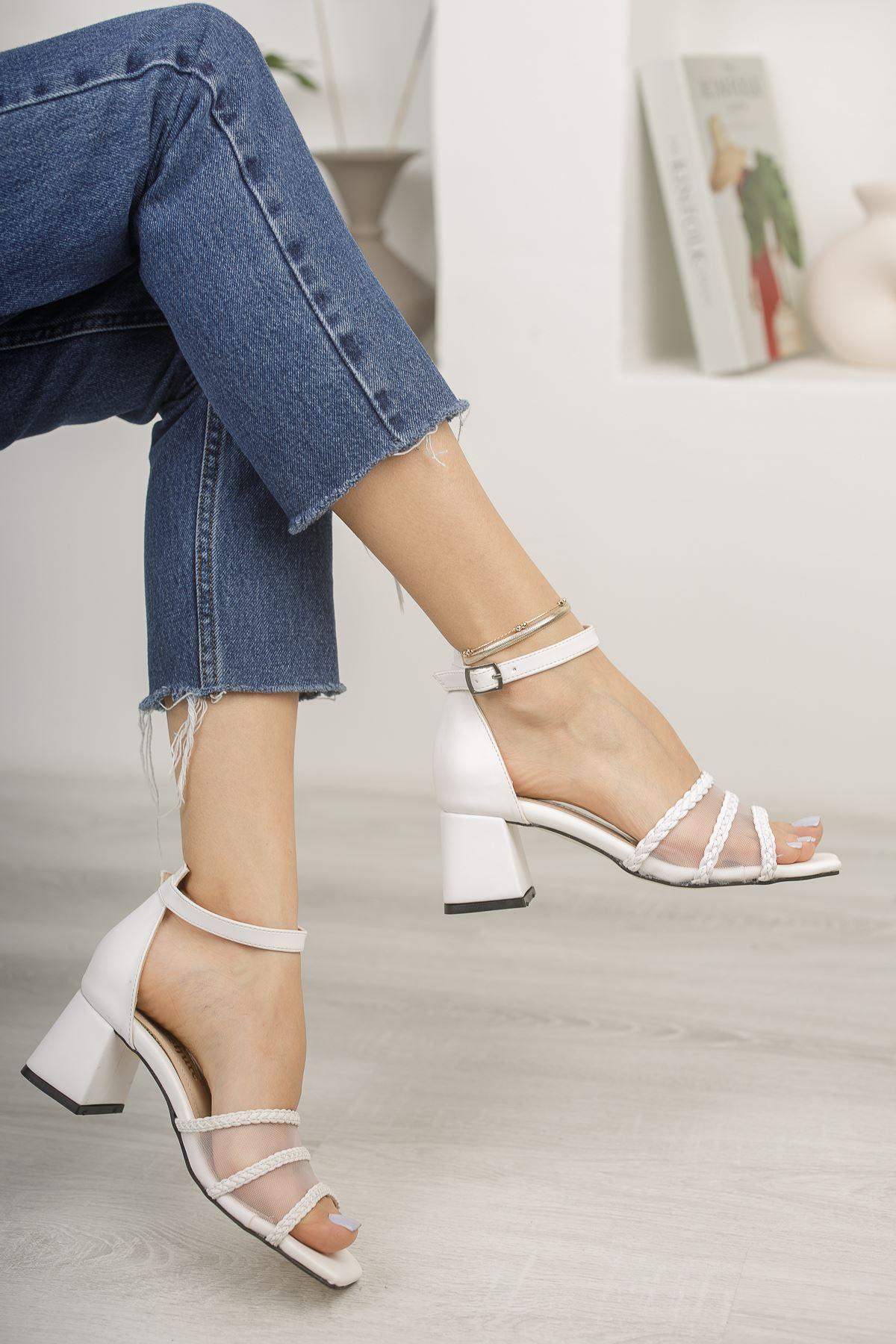 Beyaz File ve Örgü Detaylı Klasik Topuklu Ayakkabı