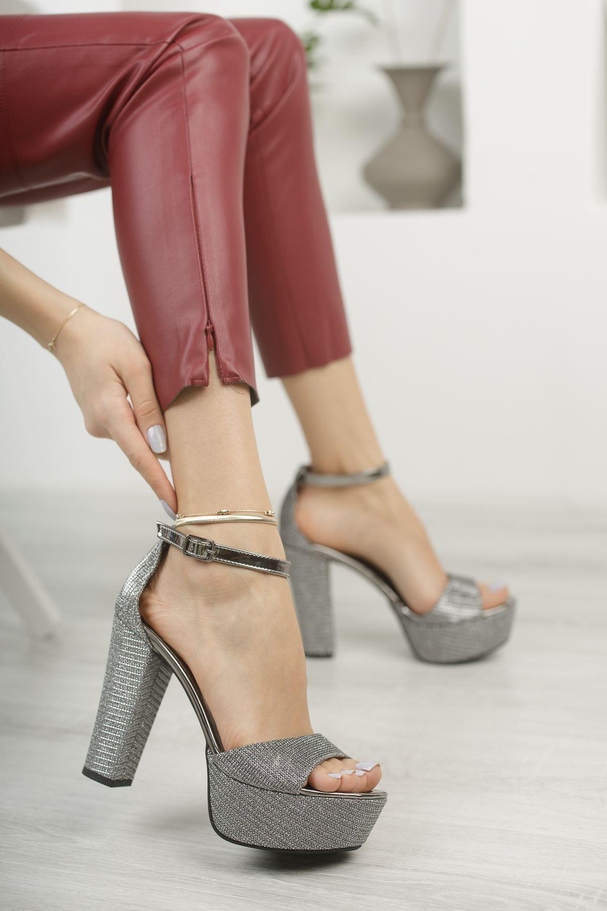 Platin Simli Yüksek Platform Topuklu Abiye Ayakkabı
