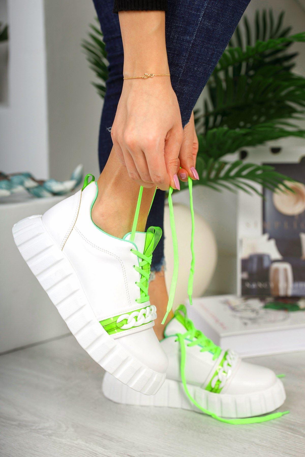 Yeşil Zincir Detaylı Spor Ayakkabı