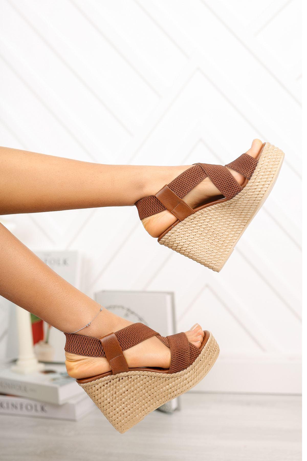 Taba Lastikli Yüksek Dolgu Topuklu Ayakkabı