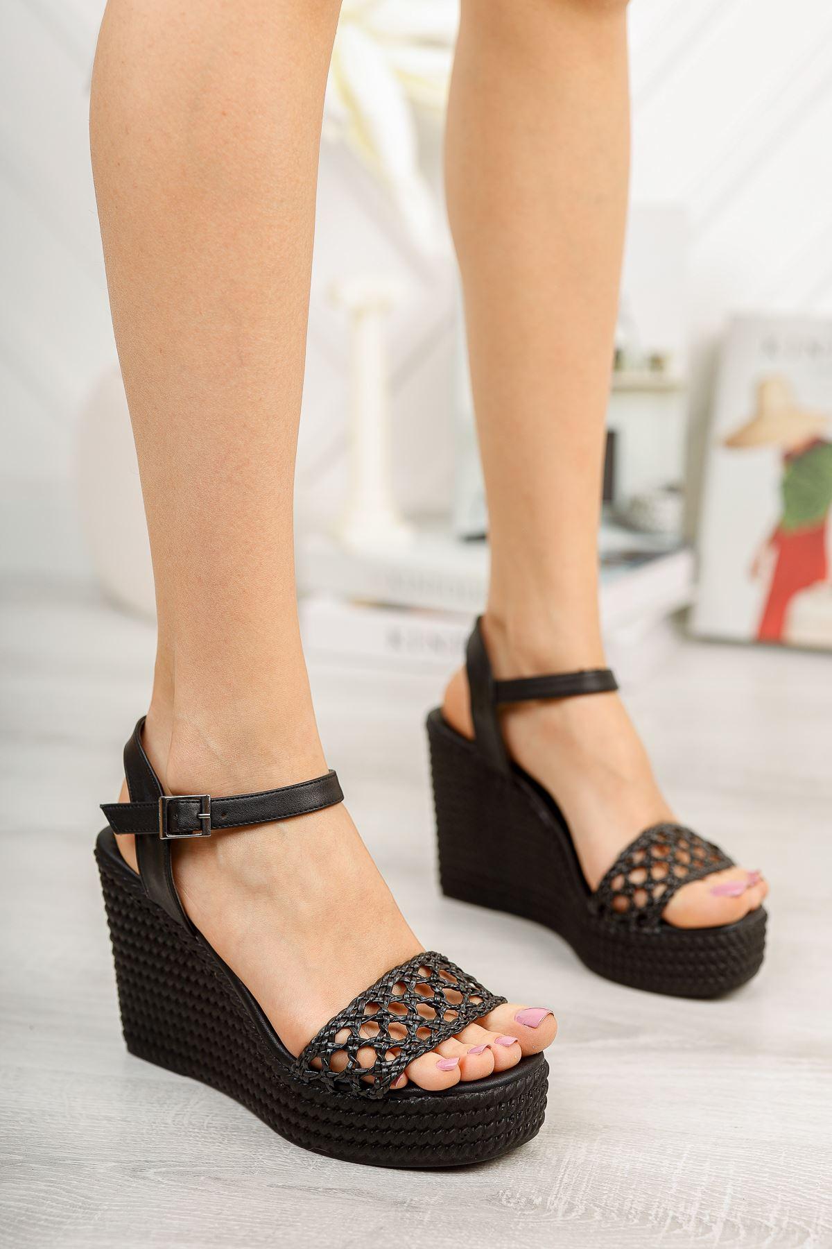 Siyah Örgü Yüksek Dolgu Topuklu Ayakkabı