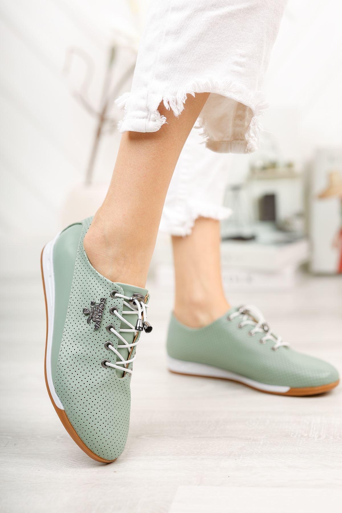 Mint Yeşili Bağcık Detaylı Günlük Ayakkabı