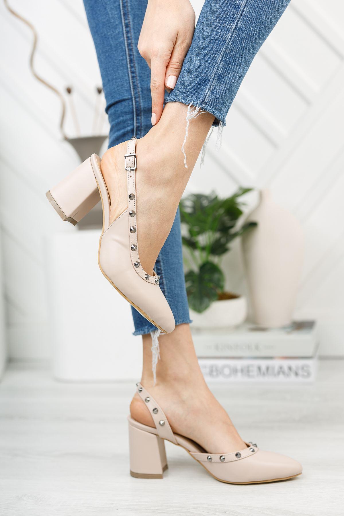 Nude Trok Detaylı Klasik Topuklu Ayakkabı