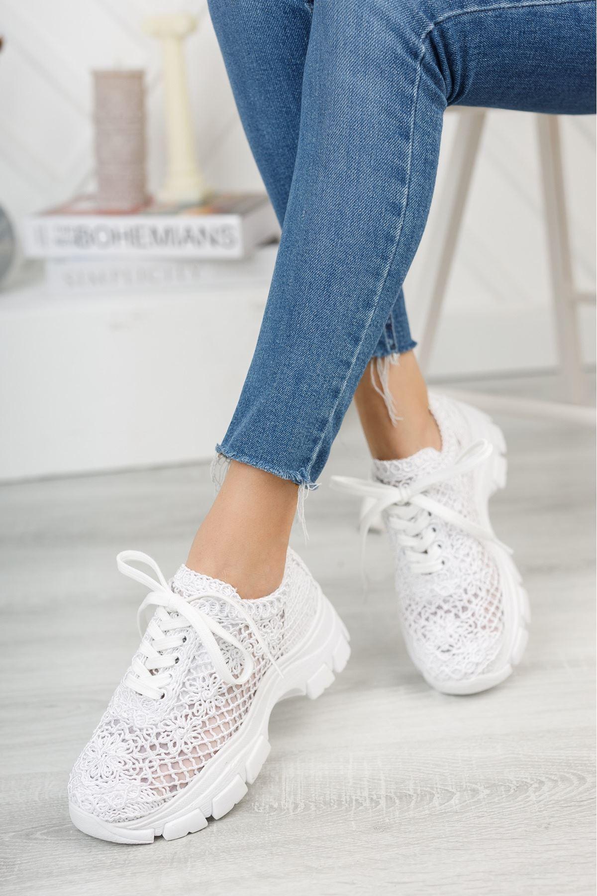 Beyaz El Örgüsü Kalın Taban Spor Ayakkabı