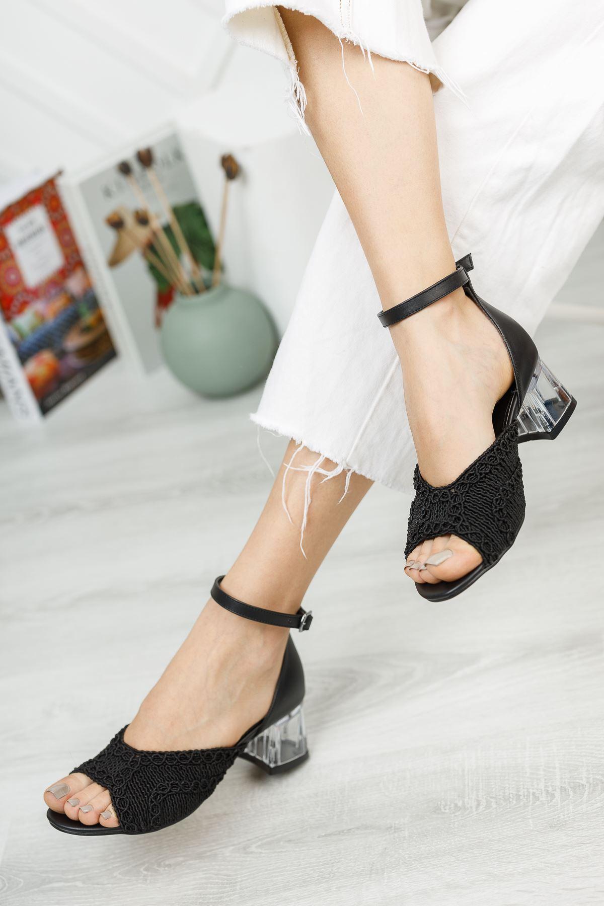 Siyah Örgü Detaylı Burnu Açık Kısa Topuklu Ayakkabı