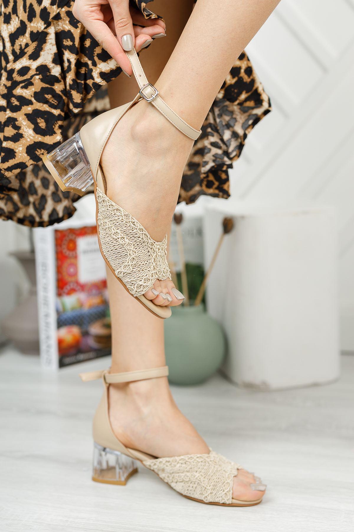 Bej Örgü Detaylı Burnu Açık Kısa Topuklu Ayakkabı