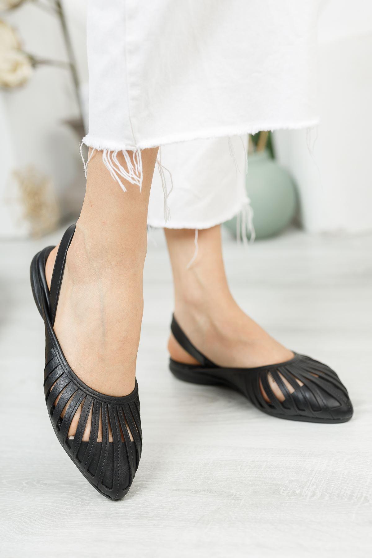 Siyah Cilt Düz Sandalet