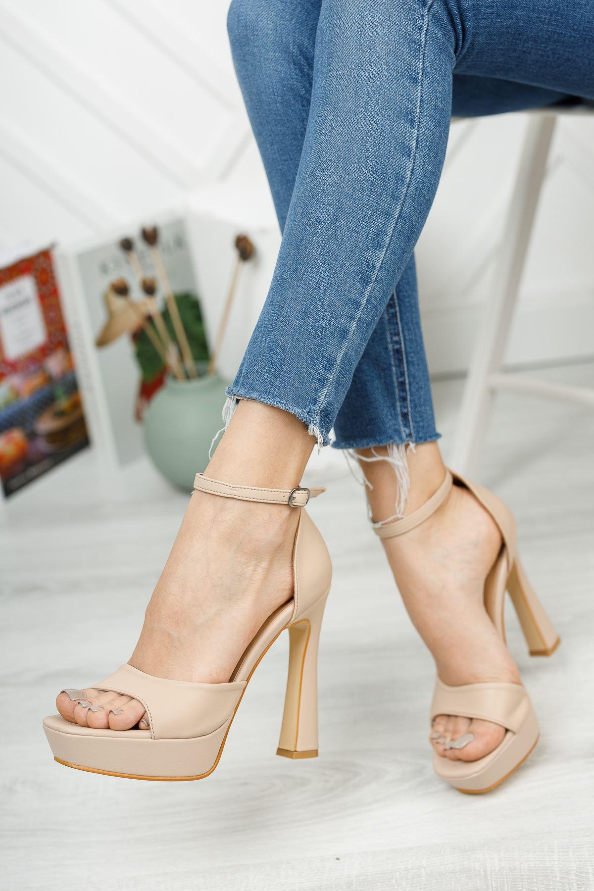 Düz Bej Tek Bant Yüksek Platform Topuklu Ayakkabı