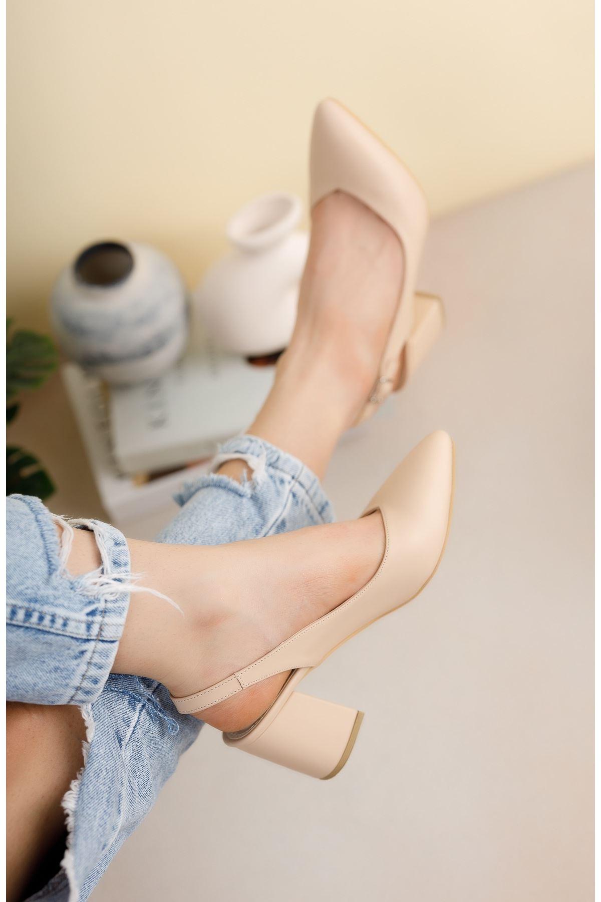 Nude Cilt Günlük Orta Topuklu Ayakkabı