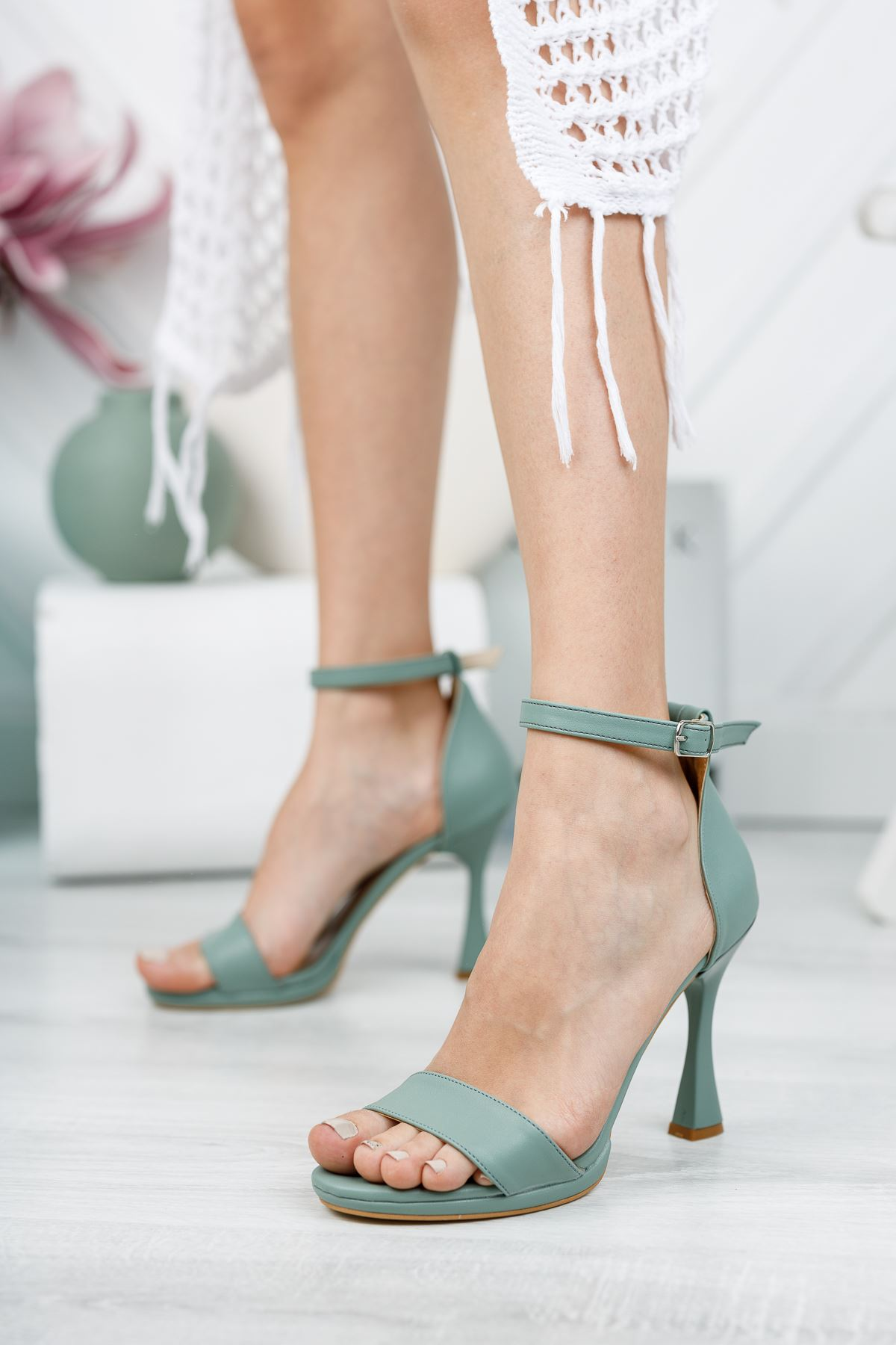 Mint Yeşili Cilt İnce Topuklu Ayakkabı