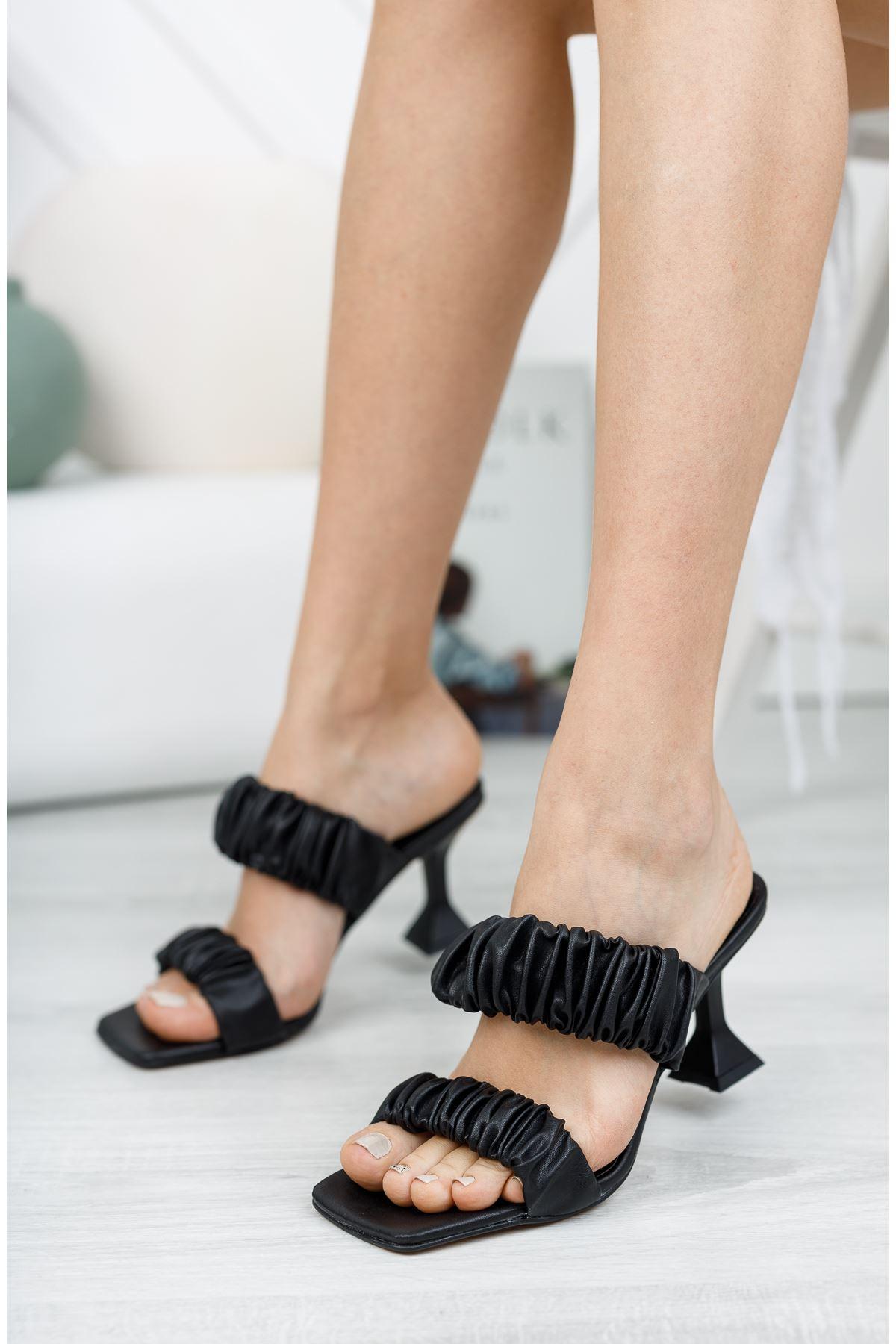 Siyah 7 cm Topuklu Terlik