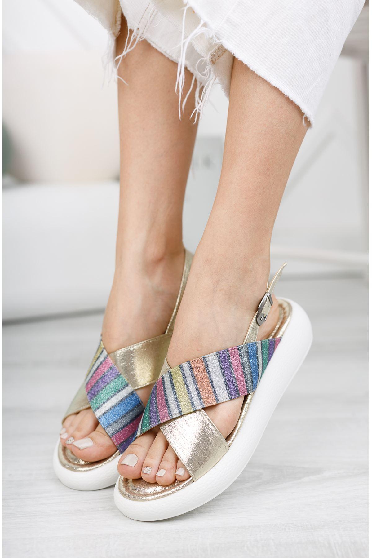 Altın Çapraz 4 Cm Taban Sandalet
