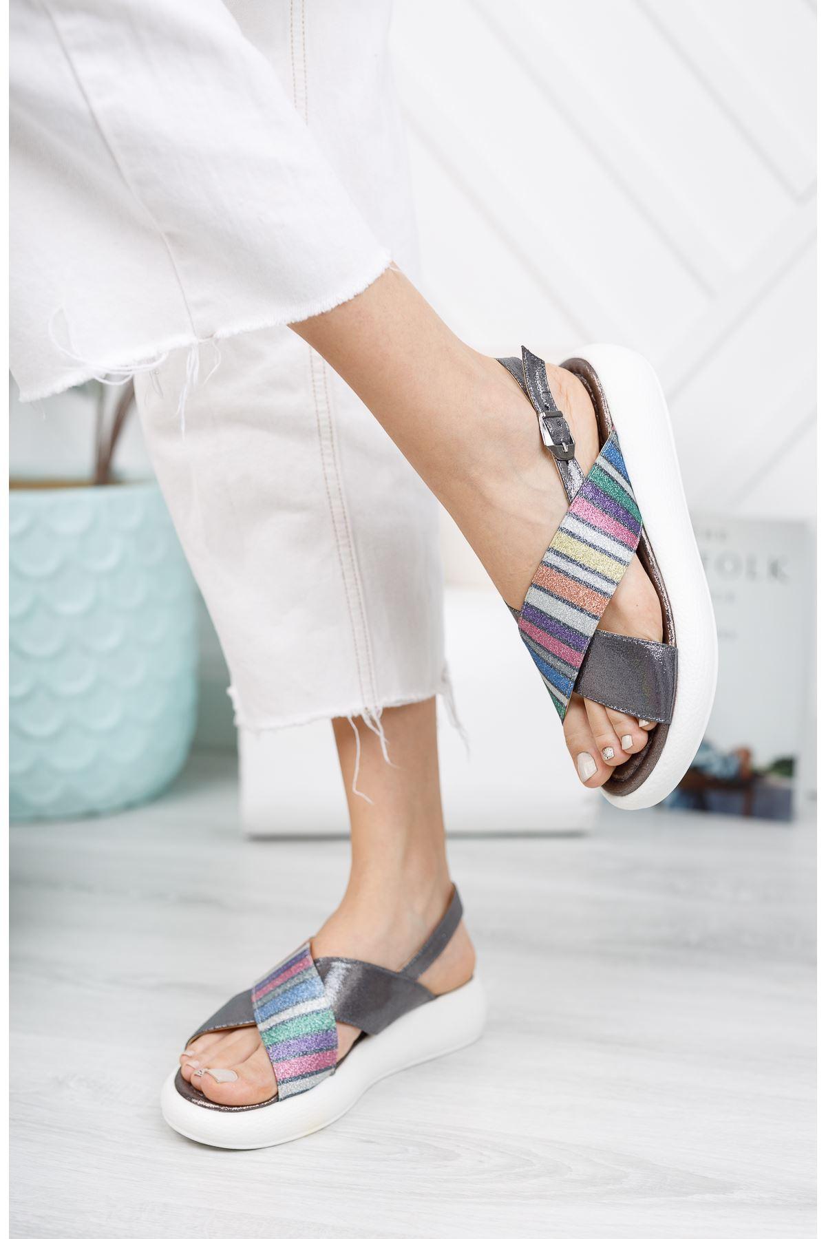 Platin Çapraz 4 Cm Taban Sandalet