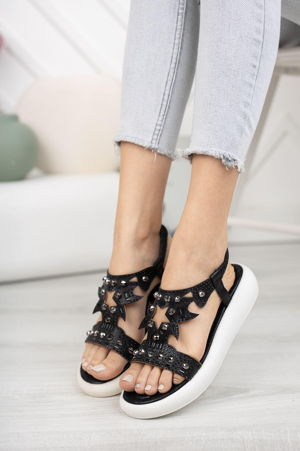Siyah Taşlı 4 Cm Taban Sandalet