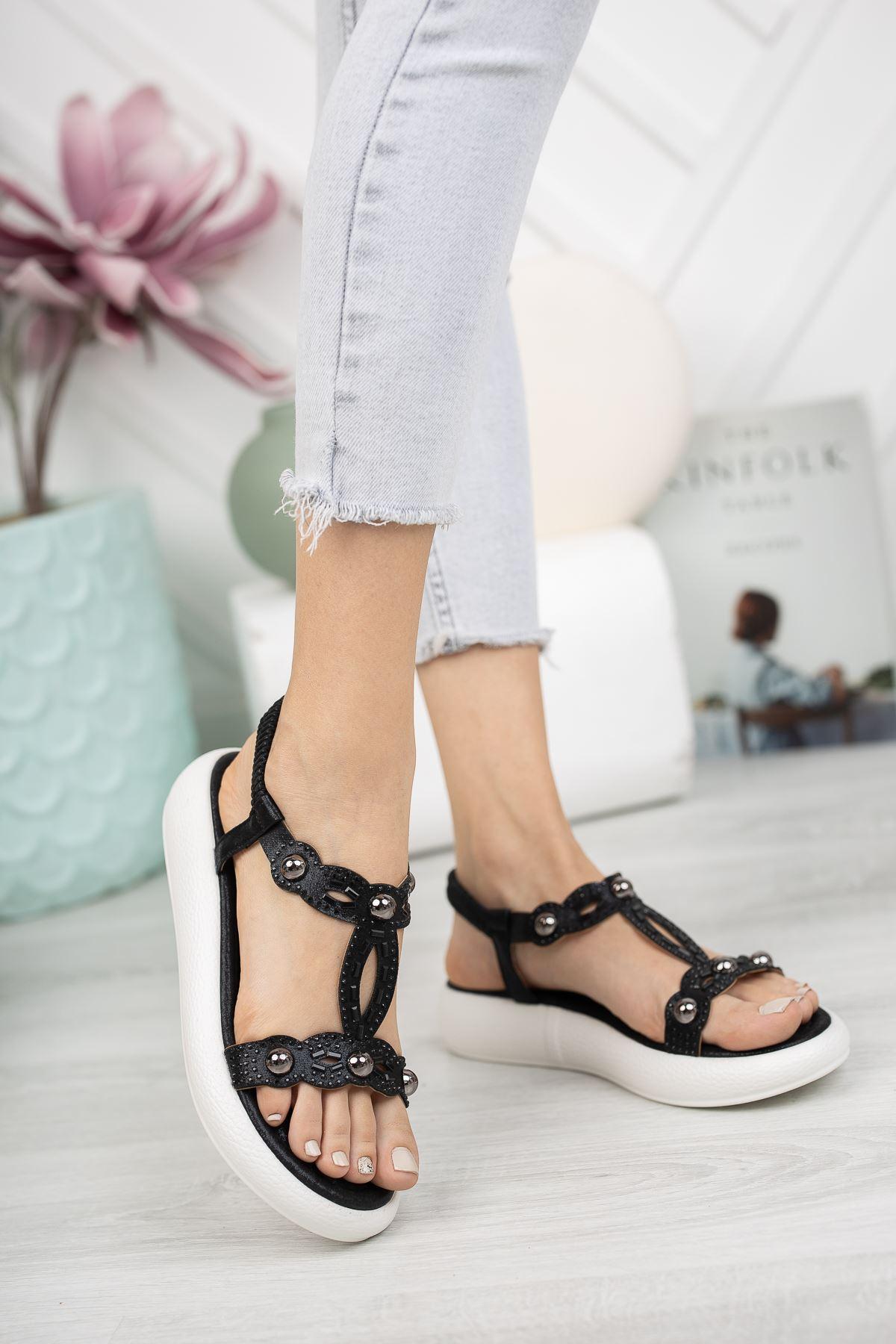 Siyah Taşlı Bileği Lastikli 4 Cm Taban Sandalet