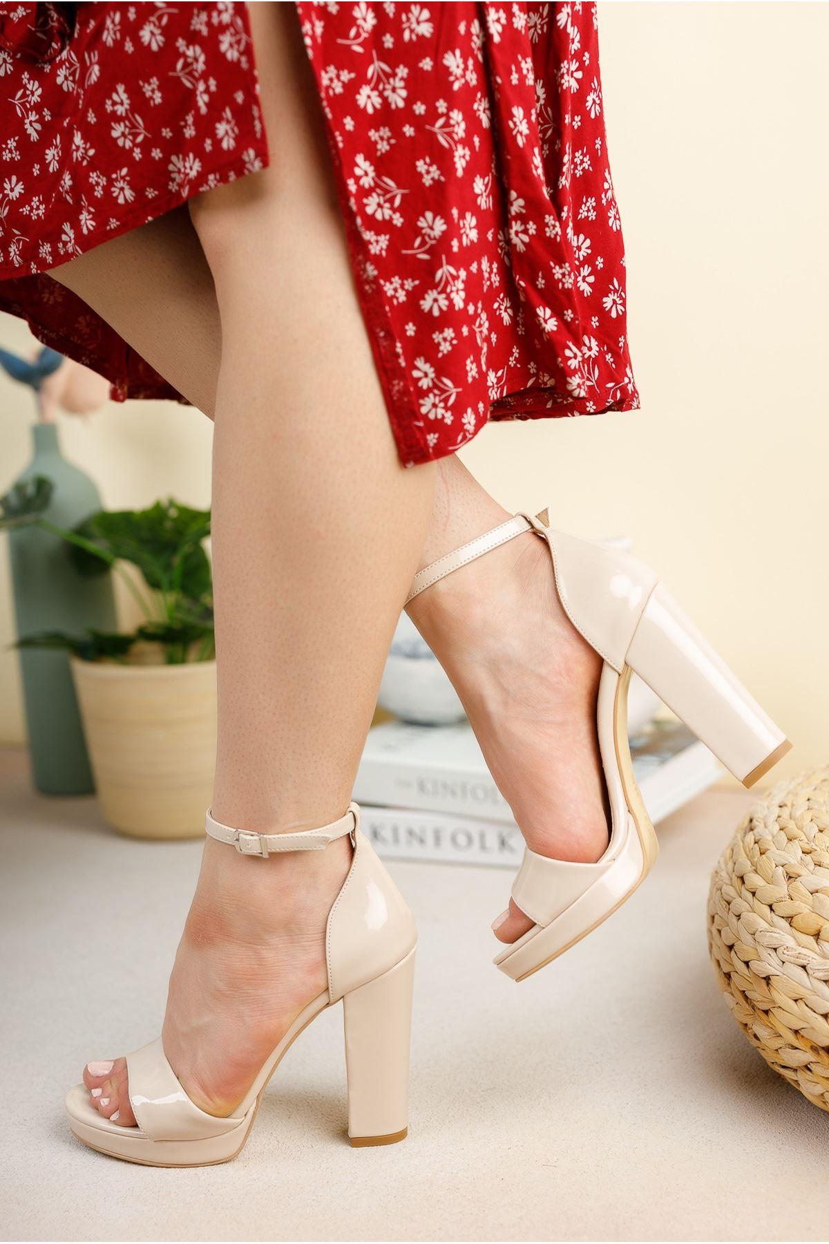 Bej Rugan 11 Cm Kalın Topuklu Ayakkabı