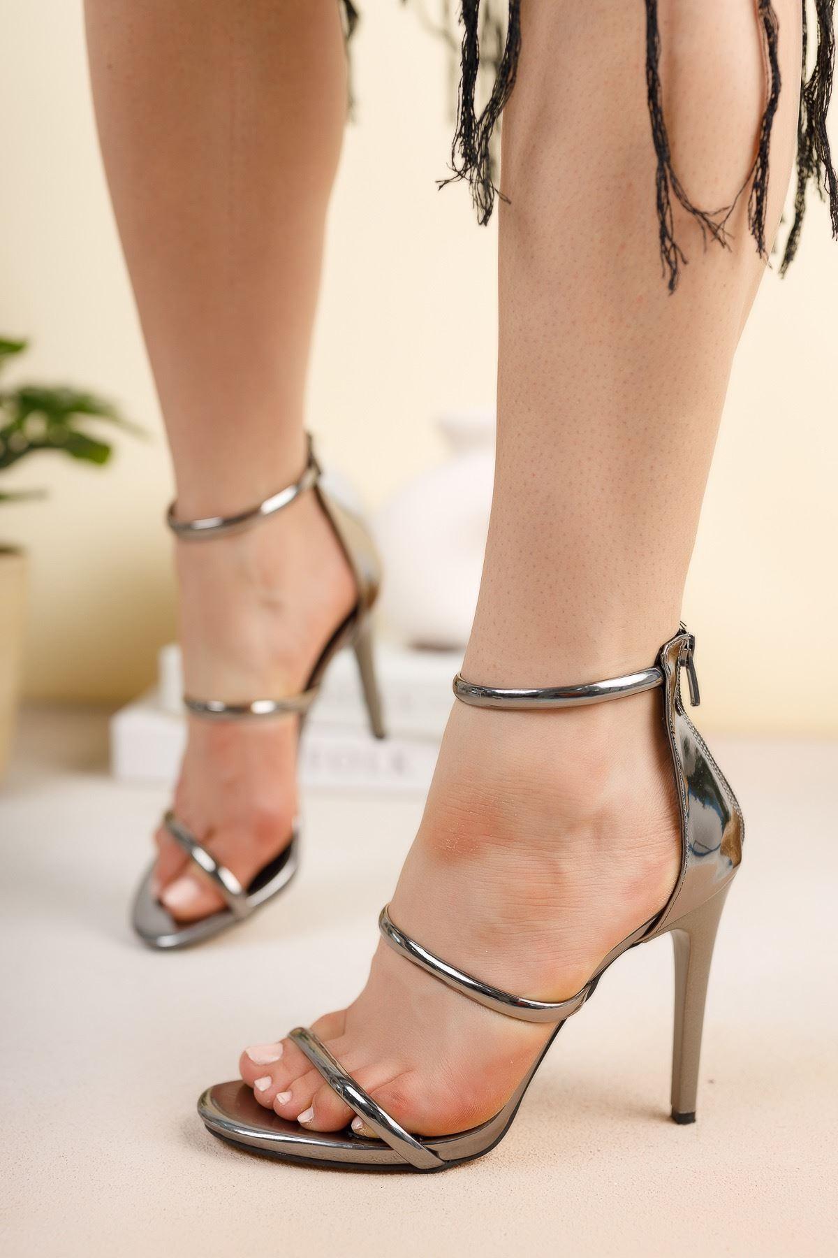 Platin Ayna Üç Biyeli İnce Yüksek Topuklu Abiye Ayakkabı