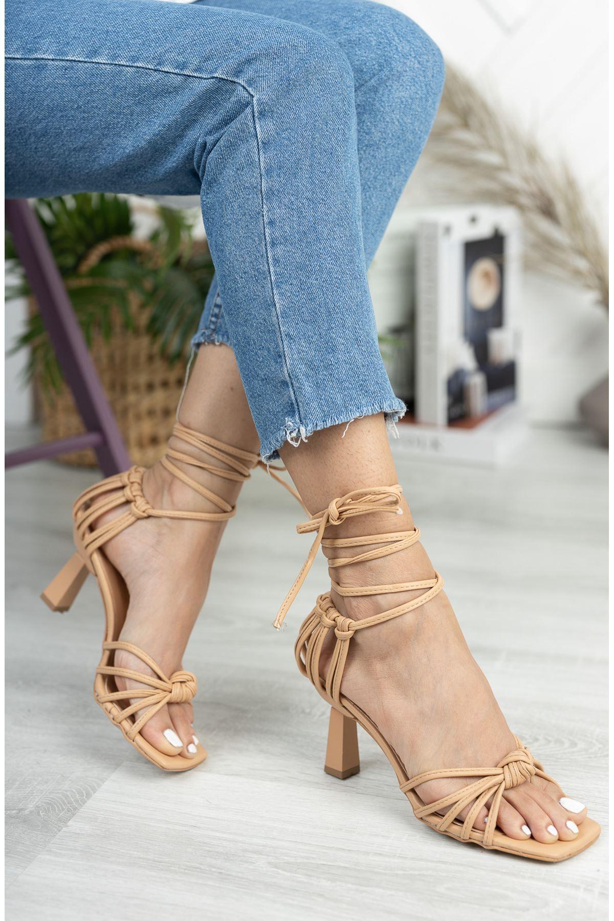 Bej Düğüm Detaylı Klasik Topuklu Ayakkabı