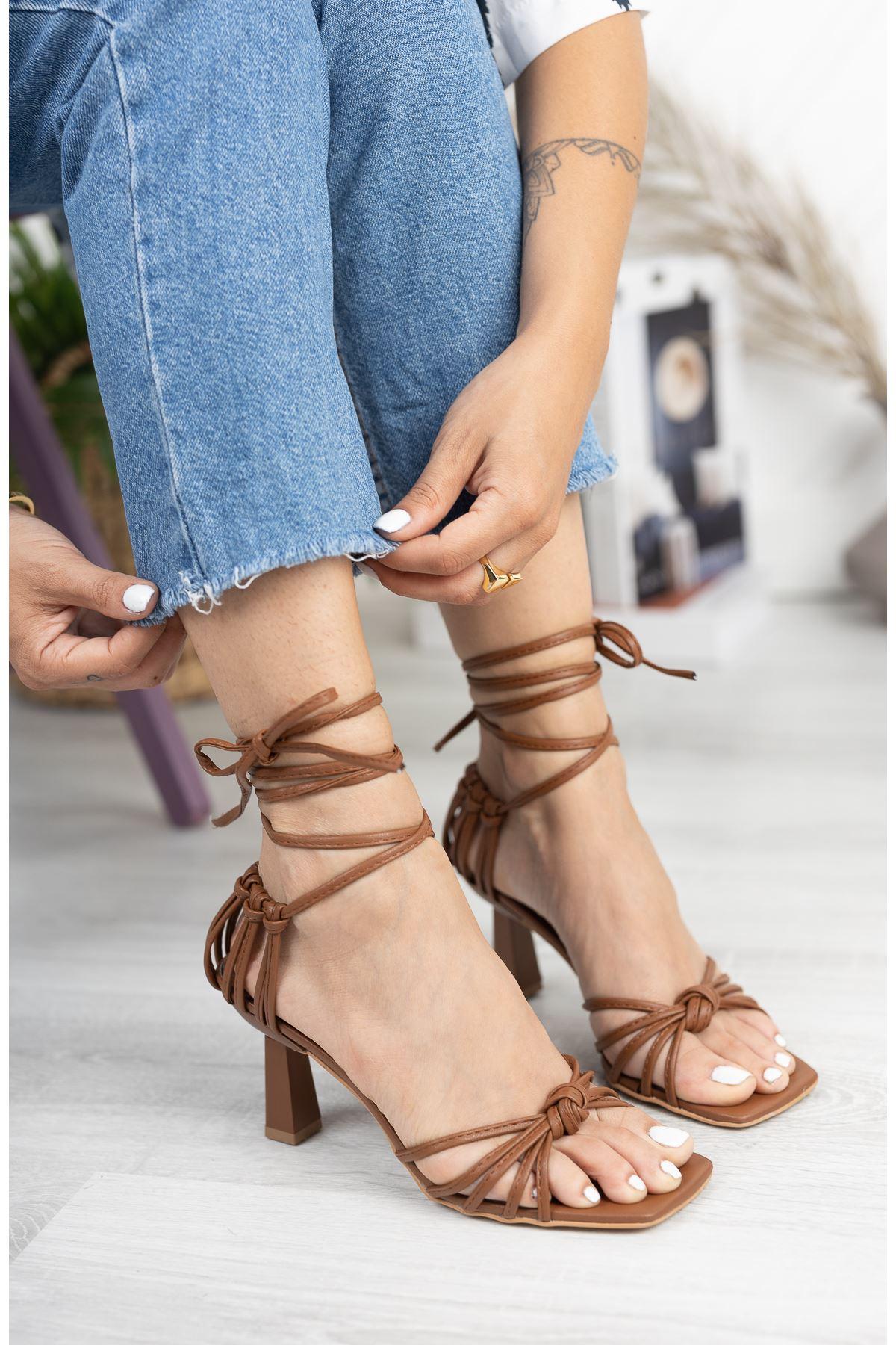 Taba Düğüm Detaylı Klasik Topuklu Ayakkabı