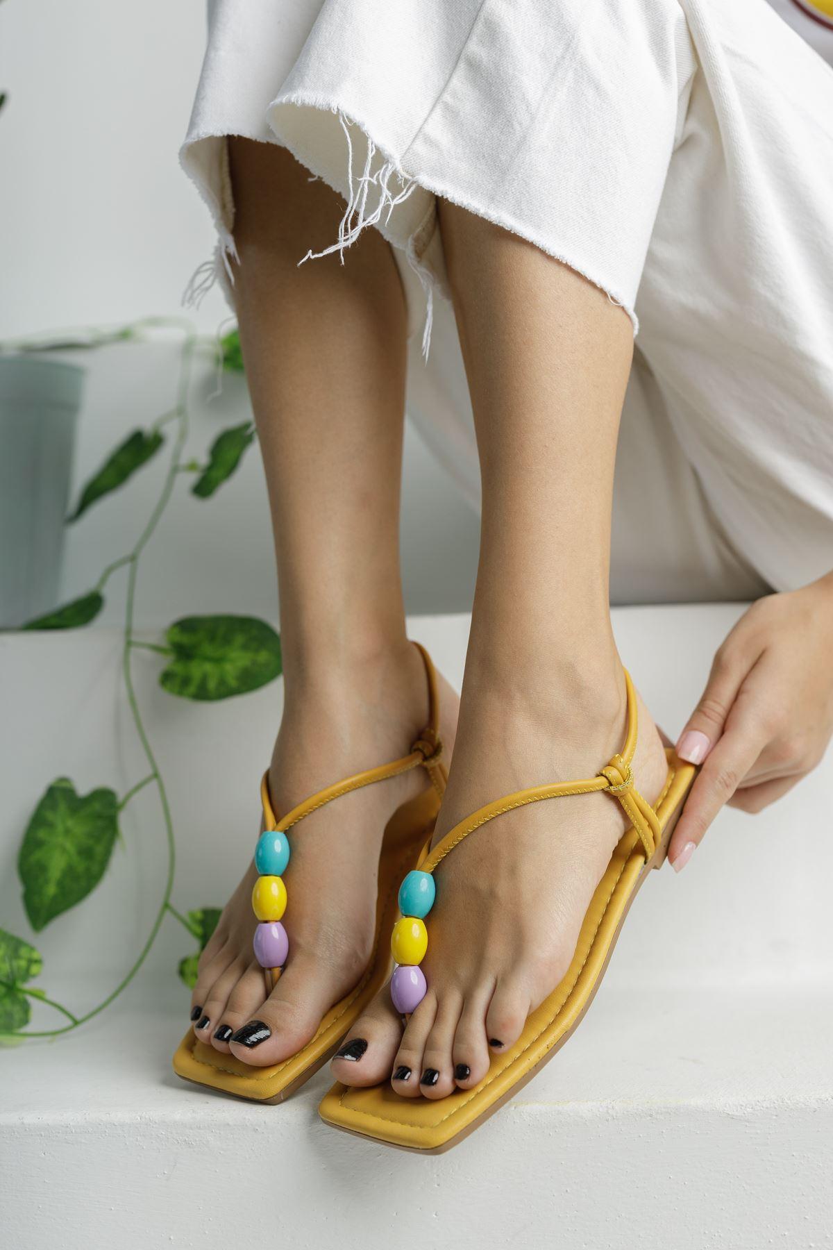 Hardal Boncuk Detaylı Düz Taban Kadın Sandalet