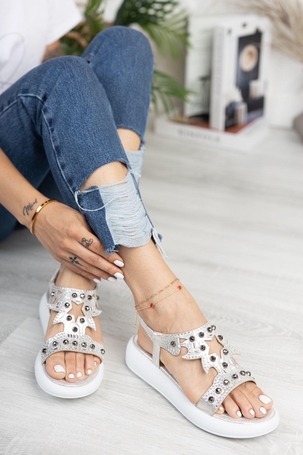 Gümüş Taşlı 4 Cm Taban Sandalet