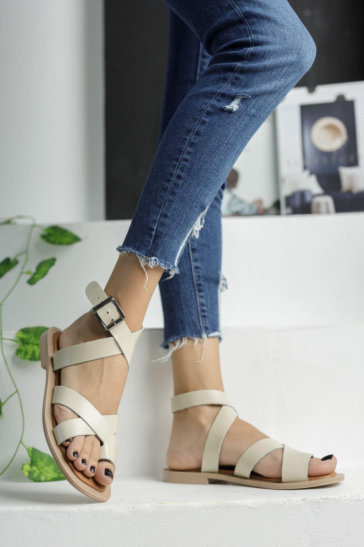Bej Deri Parmak Arası Çapraz Sandalet