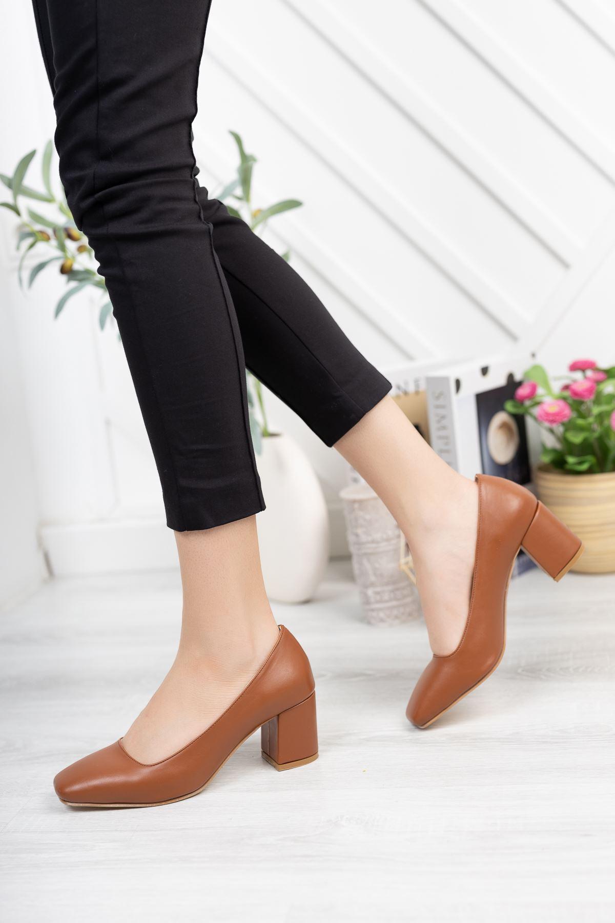 Taba Cilt Kare Kalıp 6 cm Topuklu Ayakkabı