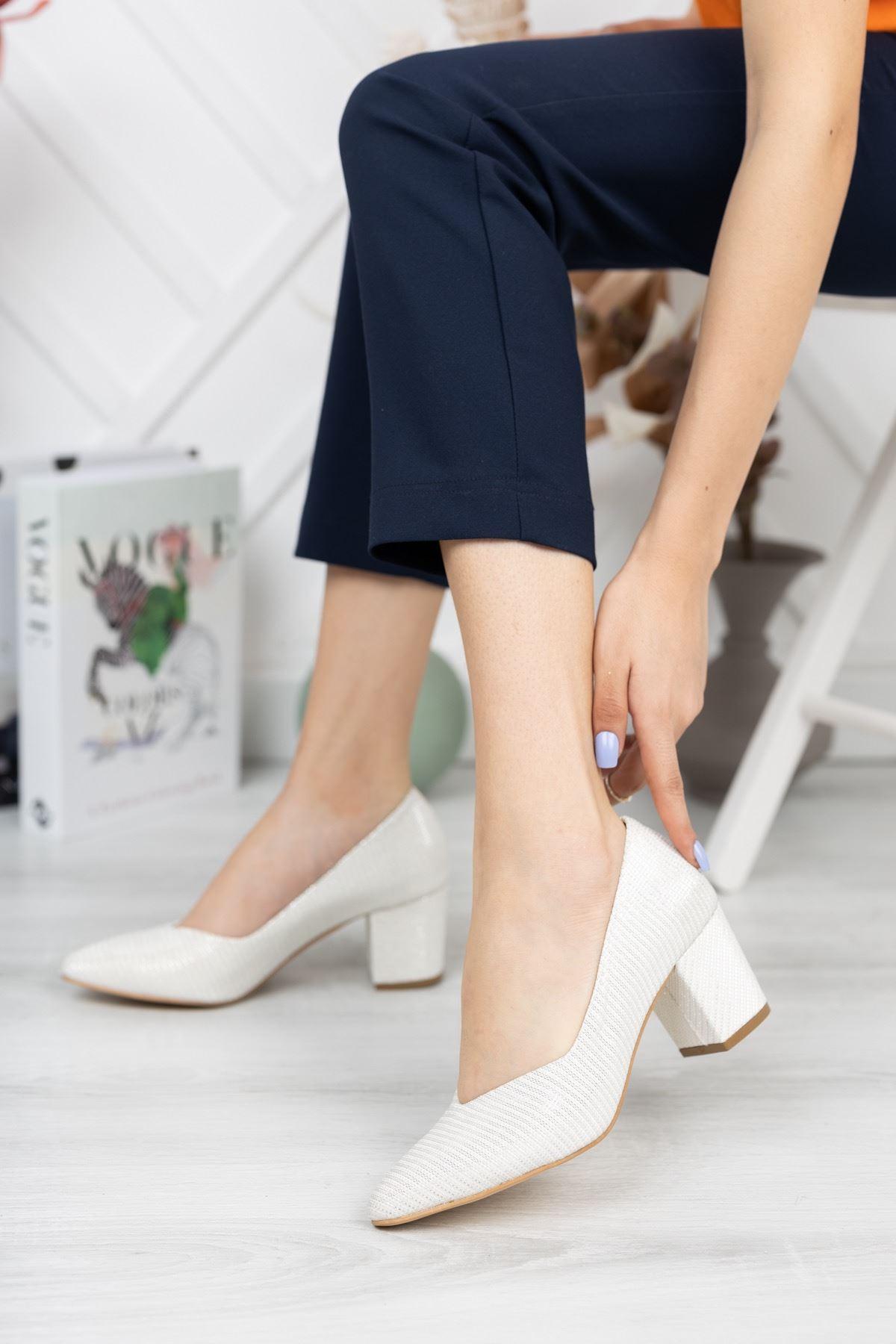 Beyaz Sedef Simli Kalın Topuklu Abiye Ayakkabı