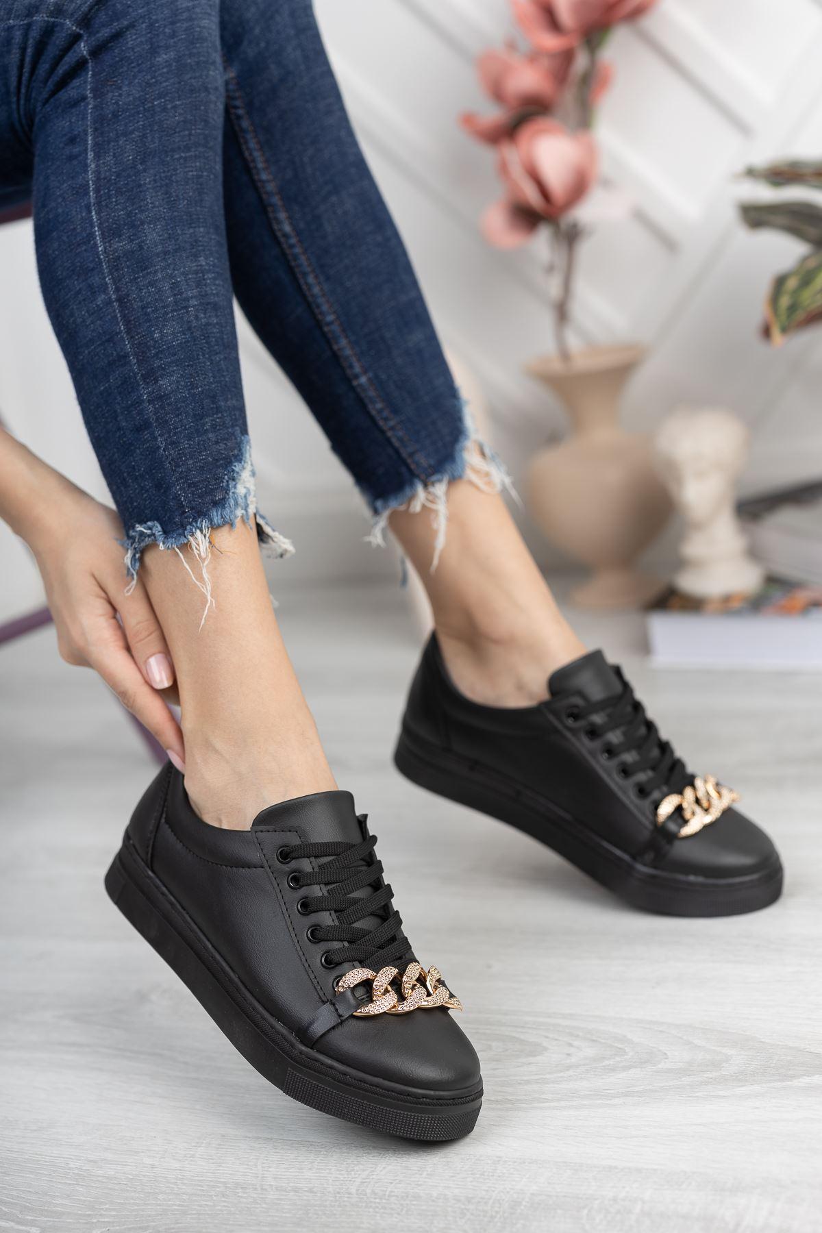 Siyah Cilt Zincir Detaylı Sneaker