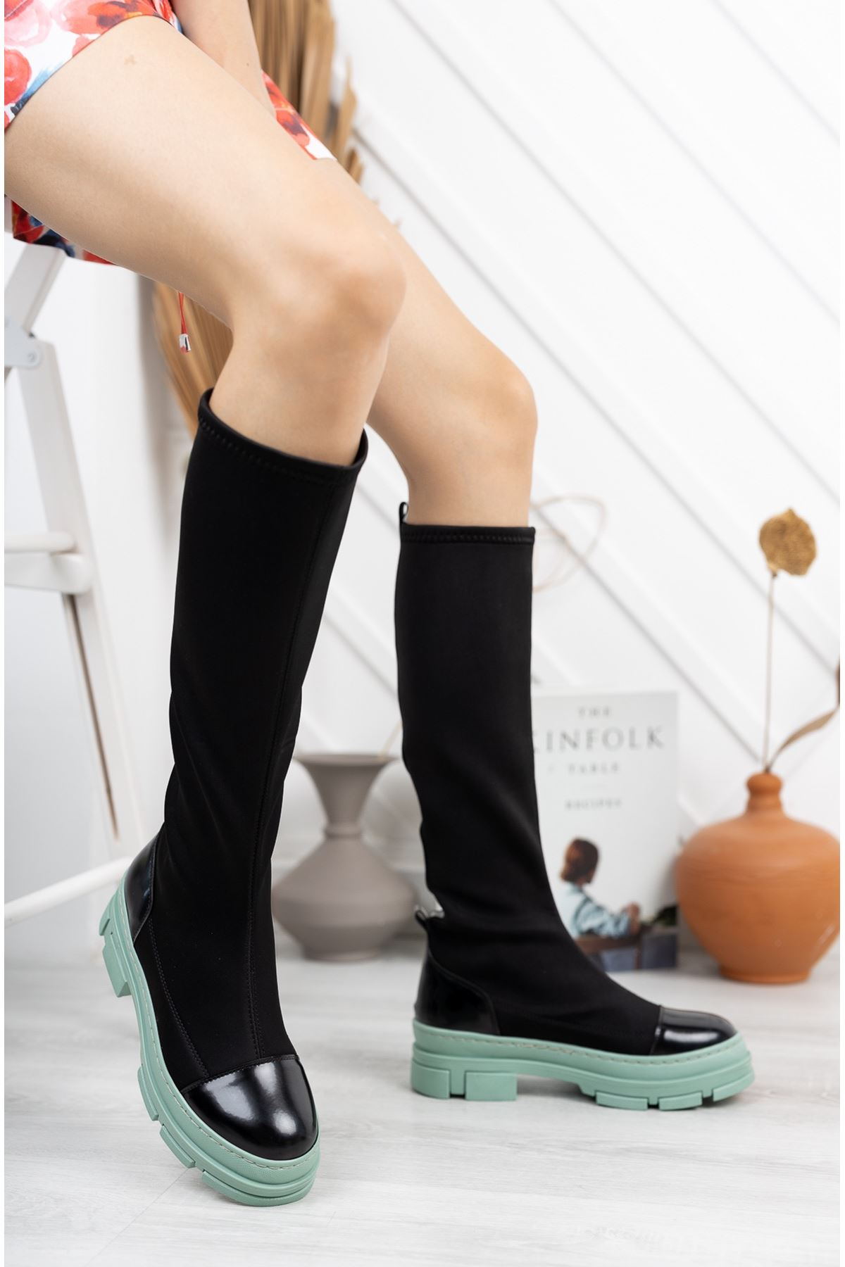 Siyah Dalgıç Kumaş Yeşil Taban Streç Çizme
